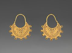 Early Byzantine                 (6th – early 7th century)            Crescent Peacock-and-Cross Earrings6th or early 7th century