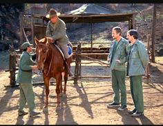 Colonel Potter and Sofie Best Tv Shows, Favorite Tv Shows, Alan Alda Mash, Barney Fife, Mash 4077, 1970s Tv Shows, Miss You Guys, Practical Jokes, Classic Tv