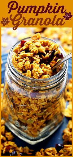 Pumpkin Granola – Crunchy and delicious pumpkin granola made with rolled oats, pumpkin puree, Fall spices, pumpkin seeds, and dried fruits. Healthy, quick and SO easy to make!