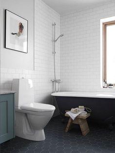 Find out more about A stunning and serene Nordic condo / Hermoso departamento escandinavo en bla. Upstairs Bathrooms, Downstairs Bathroom, Laundry In Bathroom, Small Bathroom, Master Bathroom, Scandinavian Interior Design, Bathroom Interior Design, Condo Bathroom, Bathroom Plants