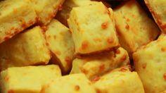Receta con instrucciones en video: Galletas de Queso rápidas y fáciles.  Ingredientes: 250 g harina 0000, 150 g manteca, 25 g sal, 1 o 2 huevos, 1 taza de queso parmesano, Dip de queso crema y ciboulette
