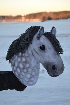 Keppihevosblogi Stick Horses, Horse Crafts, Hobby Horse, Horse Photos, Animals, Hobbies, Pictures Of Horses, Wooden Horse, Equine Photography