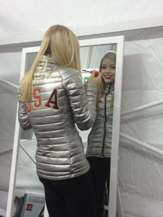 United States: Making some finishing touches before Gracie Gold accepts her bronze medal with the rest of Gracie Gold, Ice Skating, Figure Skating, Skating Pictures, Celebrity Singers, Sports Uniforms, Skate Wear, Team Usa, Winter Olympics