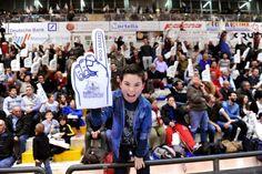 """Roseto Basket. La squadra si presenta al """"popolo biancazzurro"""" (25 settembre ore 19:00)"""