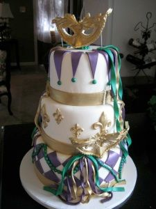 Teal, purple and gold Mardi Gras masquerade wedding cake : O Gorgeous!!! But of course I love anything to do with masquerades.