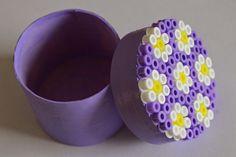 Mamma Gioca: Scatolina decorata con le perline da stirare
