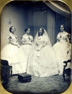 Albert Sands Southworth and Josiah Johnson Hawes A Bride and Her Bridesmaids 1851 Daguerreotype Smithsonian American Art Museum Museum purchase made possible by Walter Beck, Vintage Wedding Photos, Vintage Bridal, Vintage Pictures, Old Pictures, Old Photos, Vintage Weddings, Portraits Victoriens, Vintage Outfits, Vintage Fashion