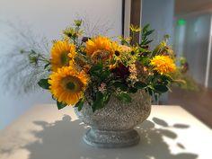 Floral Arrangements, Floral Design, Table Decorations, Plants, Fashion Design, House, Inspiration, Home Decor, Style