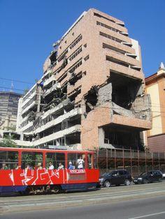 Como recordatorio del horror de la guerra, se conserva este edificio sin reconstruir en Belgrade, Serbia