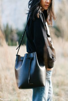 Everyone Will Be Wearing This Bucket Bag at NYFW : Absolutely in love with this Mansur Gavriel bag! Mansur Gavriel Bucket Bag, Look Fashion, Fashion Bags, Fashion Accessories, Womens Fashion, Women Accessories, Mode Style, Style Me, Fashion Handbags