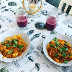 A hearty and healthy vegetable curry made for a girlfriend at the weekend, and a blueberry smoothie to wash it all down with!