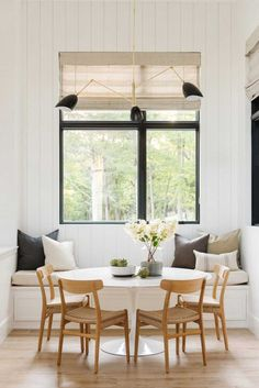 dinning nook - white, natural, and black accents interior traditional Modern Lake House: Kitchen + Nook Dinning Nook, Dining Room Storage, Dining Room Lighting, Dining Room Design, Kitchen Dinning, Kitchen Banquette Ideas, Dining Rooms, Dining Chairs, Dinning Room Ideas