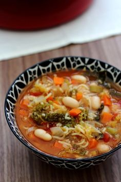 Minestrone d'hiver – Amandine Cooking – home acssesories Healthy Soup Recipes, Veggie Recipes, Winter Soups, Batch Cooking, Slow Cooker Soup, My Best Recipe, Soups And Stews, Italian Recipes, Entrees