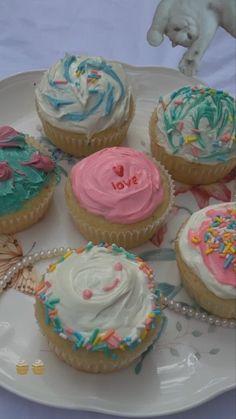 Pretty Birthday Cakes, Pretty Cakes, Cute Cakes, Cute Food, I Love Food, Good Food, Yummy Food, Little Lunch, Cute Desserts