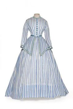 Cotton organdy dressing gown 1868-72