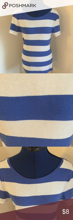 Blue and White Striped Old Navy Perfect T Shirt Condition: Preowned Made In: 2000s Flaws: None Unique Details: Perfect type of Shirt Closure Details: Over the Head Retails For: $20 Item Size: Size Large Brand: Old Navy Color: Blue and White  SMOKE FREE HOME! Wrapped & Shipped with care. Old Navy Tops Tees - Short Sleeve