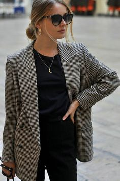 business casual outfits for women you. 29 Top Looks Outfit Ideas With Blazer You Have To Try * remajacantik Cute Winter Outfits, Classy Outfits, Fall Outfits, New York Spring Outfits, Outfit Winter, Fashion Mode, Work Fashion, Womens Fashion, College Fashion