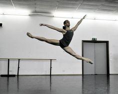 """""""Frammenti di Danza"""": Andrea Morelli sul palco del Teatro Magnani"""