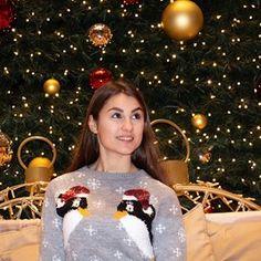 Moana Weissenbach (@moana1d) • Instagram-Fotos und -Videos Moana, Christmas Sweaters, Videos, Inspiration, Instagram, Fashion, Biblical Inspiration, Moda, Fashion Styles