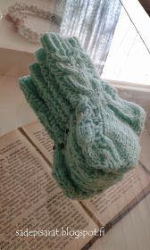 Elämän taikaa: Pöllösukat + ohje Mitten Gloves, Socks, Knitting, Crochet, Bonnets, Diy, Tejidos, Fingerless Mittens, Loom Knit