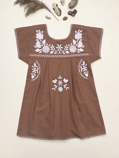 'JANE' DRESS - TAWNY-BROWN WITH IVORY EMBROIDERYTaking the comfort and practicality of traditional 1970s Mexican embroidered dresses and combining with a heritage Swedish folk influence. This s...