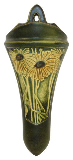 Very nice and hard to find Roseville Pottery Rosecraft Panel wall pocket in a matte green glaze with yellow flowers. Wall pocket is 9 tall and wide. Weller Pottery, Old Pottery, Roseville Pottery, Mccoy Pottery, Vintage Pottery, Pottery Art, Pots, Fire Art, Arts And Crafts Movement