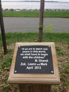 Nice memorial & wise words for us to keep in mind. Beautiful lake view. #visitKingston #queensUmum