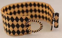 Peyote Bracelet Gold and Black Peyote Diamond by KathysDesignsLLC Loom Bracelet Patterns, Bead Loom Bracelets, Peyote Patterns, Beading Patterns, Seed Bead Earrings, Beaded Earrings, Seed Beads, Beaded Bracelets, Vestidos