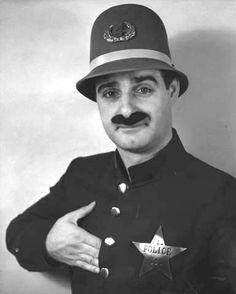John Gallos as Clancy the Cop.