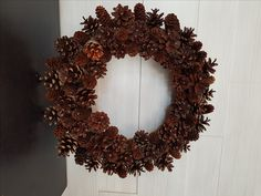 Fall Pinecone Wreath #wreath #wreathideas #pinecone #goldenforrest #goldenforrestcreations Homemade Wreaths, Pinecone, Christmas Wreaths, Holiday Decor, Fall, Flowers, Christmas Swags, Autumn, Pine Cone