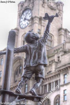 Liverpool, UK - The Liverpool Blitz Memorial   Sculptor Tom Murphy - This is Tom's Web Site www.liverpoolartcafe.co.uk/