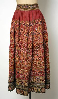 Skirt Date: century Culture: Indian Medium: cotton Dimensions: [no dimensions available] Credit Line: Purchase, Irene Lewisohn Bequest, 1955 Indian Skirt, Indian Dresses, Indian Outfits, Ethnic Fashion, Asian Fashion, Boho Fashion, Indian Attire, Indian Ethnic Wear, Tela Hindu