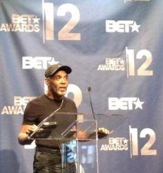 Legendary Frankie Beverly Inspires Music and Entrepreneurship Frankie Beverly, Bet Awards, Marvin Gaye, Home Based Business, Beautiful Black Women, Maze, Black History, Dancers, Entrepreneurship