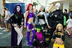 AWESOME Teen Titans cosplay!