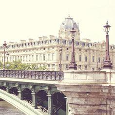 Even the bridges are prettier in Paris