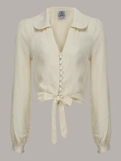 tops and blouses, shirts, for rockabilly and pin up outfits. Classic vintage blouses and retro tops from your favorite brands online. Vintage Stil, Vintage Mode, Style Vintage, Vintage Inspired, 1940s Style, 50s Vintage, Retro Style, 40s Mode, Retro Mode