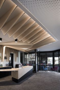 Local Australian Architecture And Interior Design Cobram Library And Learning Center By Cohenleigh Architects 8 Interior Ceiling Design, Lobby Interior, Office Interior Design, Interior Architecture, Australian Architecture, Office Ceiling Design, Corporate Interiors, Hotel Interiors, Office Interiors