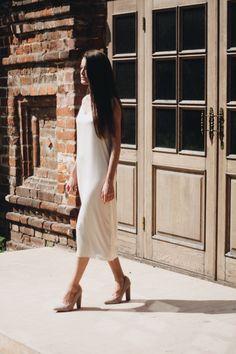 Платье-комбинация на тонких бретельках из шёлка жасминового цвета Moscow, White Dress, Photo And Video, Clothing, Instagram, Dresses, Fashion, Tall Clothing, Gowns