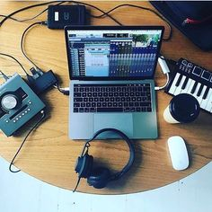 home music studio with mac and midi keyboard with headphones Home Recording Studio Setup, Home Studio Setup, Music Studio Room, Studio Gear, Home Music, Music Music, Office Music, Homecoming Dresses, Prom