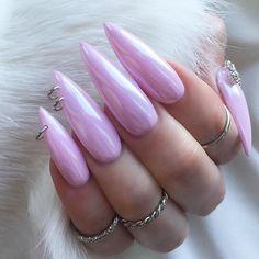 24 Pierced Nails: A Nail Trend Makes a Comeback Stiletto Nails, Toe Nails, Laque Nail Bar, Pink Acrylic Nails, Pink Nails, White Nails, Chrome Nails, Nail Trends, Gel Nail Art