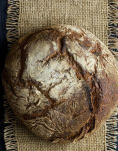Homemade Bread: 10 Mistakes to Avoid - La Cucina Italiana Baking Bread At Home, Bread Without Yeast, Making Mistakes, How To Make Bread, Scones, Italian Recipes, Biscuits, Homemade, Bread Pizza