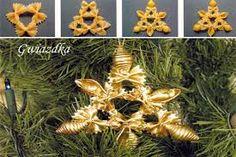 pisanki makaronowe - Buscar con Google Diy Xmas Ornaments, Xmas Decorations, Projects For Kids, Diy For Kids, Craft Projects, Pasta Crafts, Pasta Art, Holiday Crafts, Holiday Decor