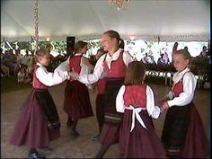 Lykkeringen Norwegian Dancers perform seksmannsril (kids) @Kathryn Whiteside Whiteside Lack this is one I want to teach our kids