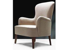 Craquez pour l'originalité de ce charmant fauteuil en tissu haut de gamme ! Mêlant chic et confort, vous apprécierez les finitions parfaites du fauteuil Vivaldi grâce à ses surpiqûres élégantes et son bois noble. #fauteuil #scandinave