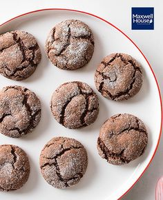 Coffee and chocolate combine for great flavoured cookies. The cookies flatten slightly as they bake ending up with cracked tops, crisp outsides and slightly soft centres. Cake Mix Recipes, Best Cookie Recipes, My Recipes, Dessert Recipes, Recipies, Favorite Recipes, Moka, Crinkles Recipe, Coffee Biscuits