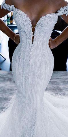 Classy Wedding Dress, Fancy Wedding Dresses, Stunning Wedding Dresses, Wedding Dress Styles, Bridal Dresses, Gorgeous Dress, Trumpet Wedding Dresses, Look Chic, Ideias Fashion
