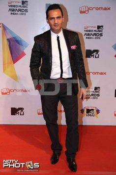 MTV Video Music Awards: Model Marc Robinson posed in a black suit.