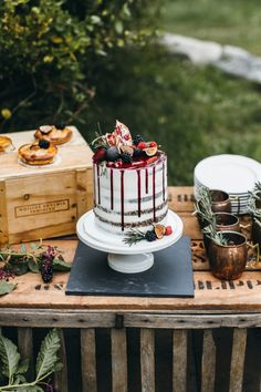This Eolia Mansion wedding inspiration features a sophisticated color palette, moody décor elements, and a stunning dessert table. Cupcakes, Cupcake Cakes, Cake Pops, Wedding Cake Inspiration, Wedding Ideas, Fall Wedding, Wedding 2017, Wedding Details, Wedding Colors