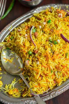 Quick Carrot Biryani Recipe, How to Make Easy Carrot Biryani Indian Carrot Recipes, Chinese Recipes, Carrot Rice Recipe, Veg Biryani, Rice Side Dishes, Roasted Strawberries, Curry Dishes, Biryani Recipe, Kitchen Recipes