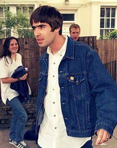 Formerly battery-in-your-leg im princess protein Gene Gallagher, Lennon Gallagher, Liam Gallagher Oasis, Liam Oasis, Oasis Band, Skinhead Reggae, Beady Eye, Paul Weller, Britpop